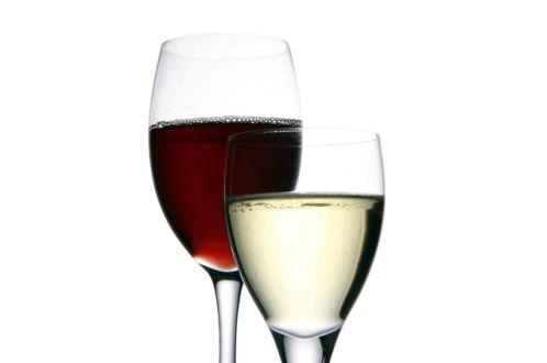 Вино красное, розовое и белое из Изабеллы