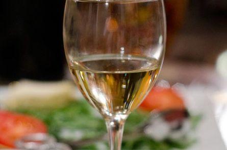 Как превратить сладкое домашнее вино в полусладкое