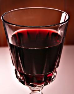 Только самые спелые ягоды годятся для получения вкусного напитка