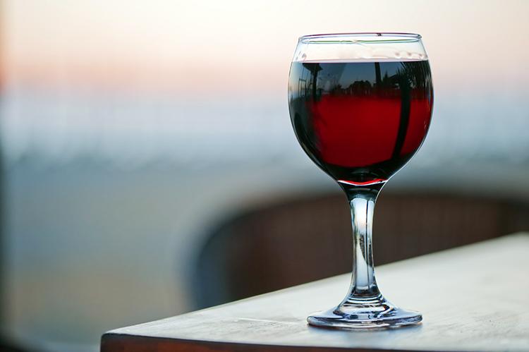 Красное домашнее вино