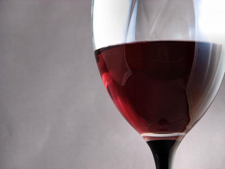 Вино из красного винограда