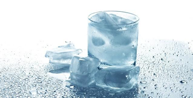 Самогон со льдом
