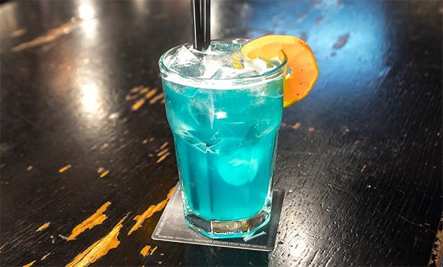 голубые гавайи с белым ромом